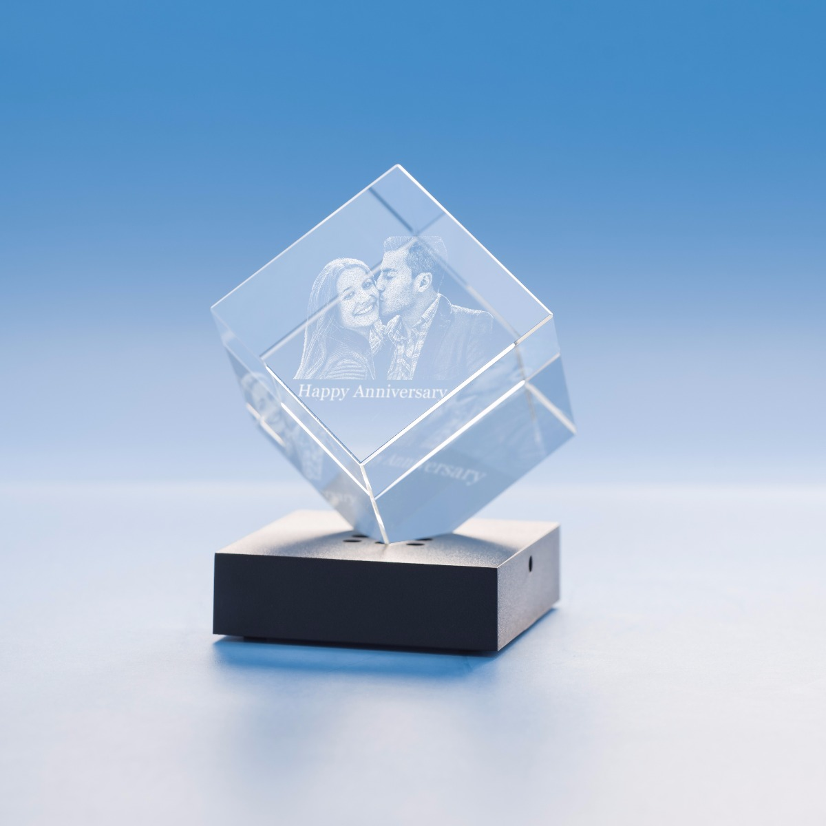 Anniversary Cube Crystal, 3D Engraved-Small